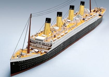 Kartonmodell der Titanic im Maßstab 1:200