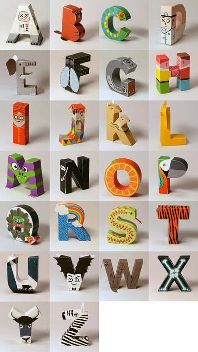 Alle Buchstaben des Alphabets aus Papier